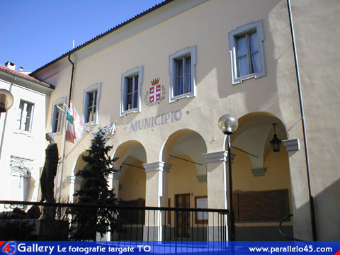 Caselle Torinese (TO): Palazzo municipale