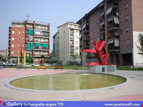 Torino via mombasiglio fontana e arredo urbano for Arredo urbano torino